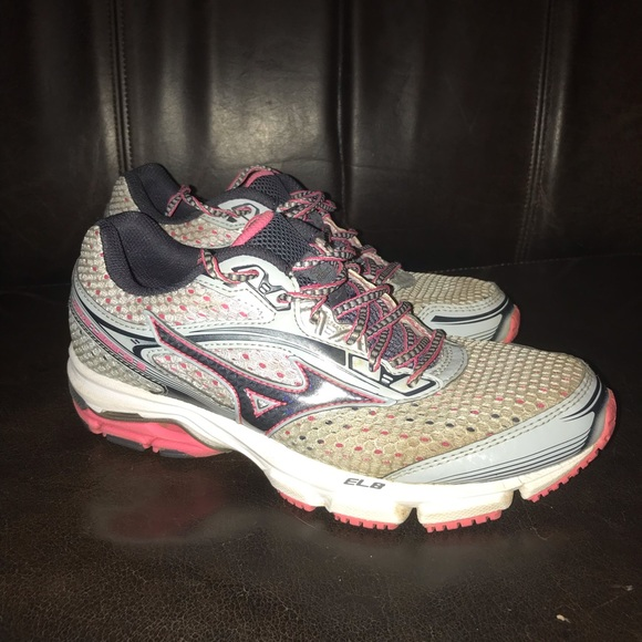 wholesale dealer 64340 3cce6 Mizuno wave Legend 3 Running Shoes 6.5. M 5be7bdac45c8b30cc92010f4